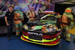Jeff Gordon and the Teenage Mutant Ninja Turtles unveiled a special paint scheme for the Bank of America 500. (Credit Brad Bowling)